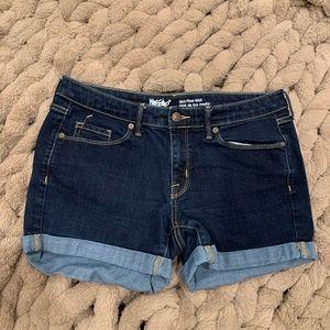 Mossimo mid rise denim shorts 🌸 Size 10